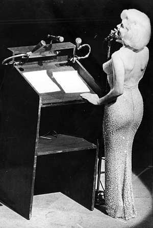 Marilyn Monroe was a famous diva, who enjoyed singing birthday songs to JFK (GY)