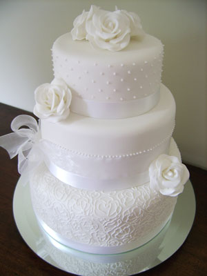 plain wedding cake