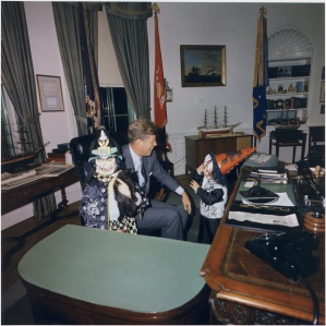 WH President John F Kennedy-halloween-costumes-of-john-jr-and-caroline