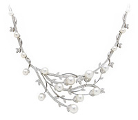 pearl-diamond-necklace-budding by Adorn Bridal Jewelry Rental