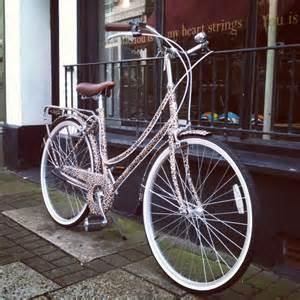 Bobbin birdie bicycle safari