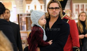 Brad Pitt and Angelina Jolie take the kids to FAO Schwarz