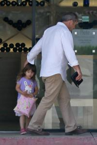 Mel Gibson and daughter Lucia grocery shopping together