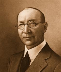 Howard Robard Hughes Sr