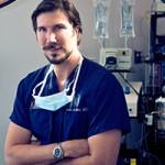 Dr Aaron Rollins
