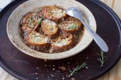 slow cooker onion soup AP