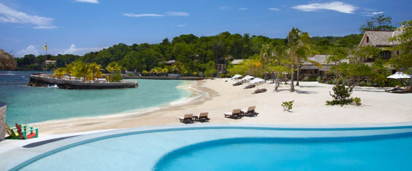 3-GoldenEye-Low-Cay-Beach