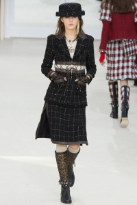 Chanel-2016-Fall-Winter-Runway