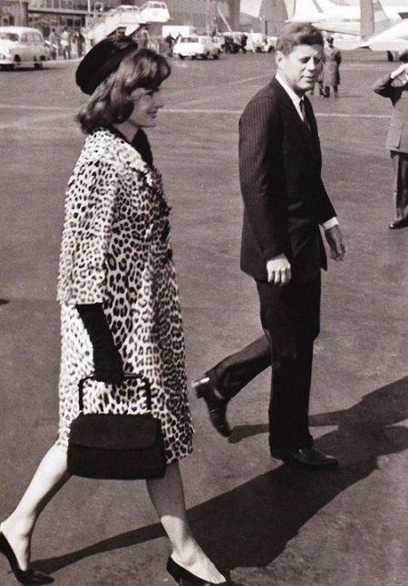Jackie-Kennedy-in-her-famous-leopard-coat