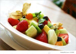 fresh fruit bowl breakfast